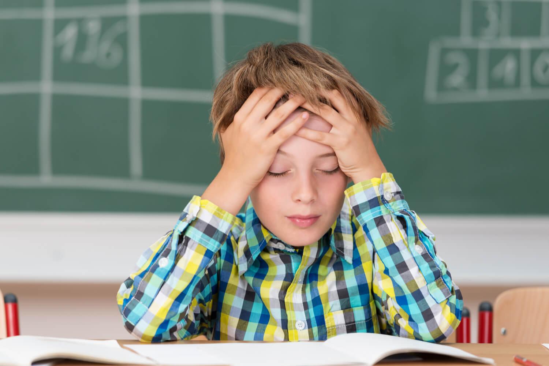 kid having headache