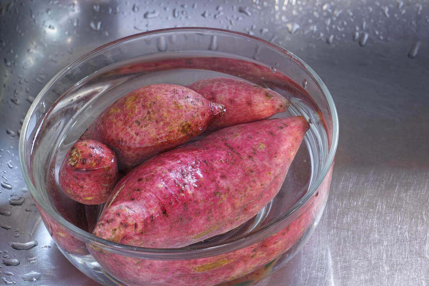 sweet potato Immersed in water