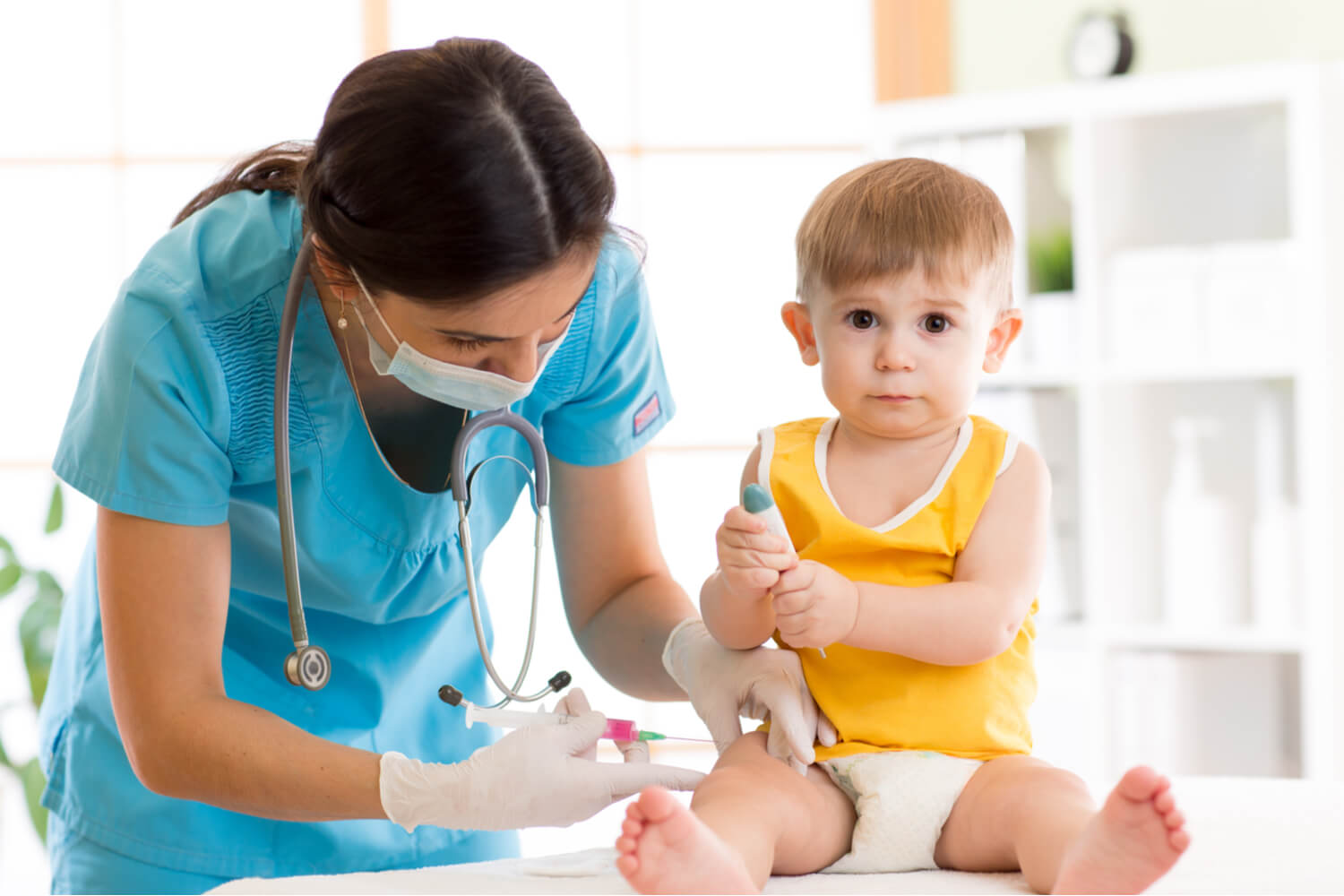 Guide To Compulsory & Optional Vaccines For Babies
