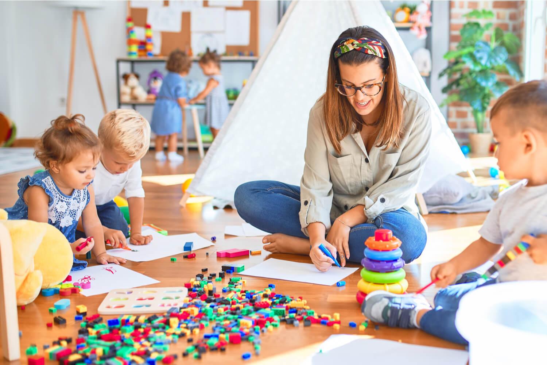 kids in montessori